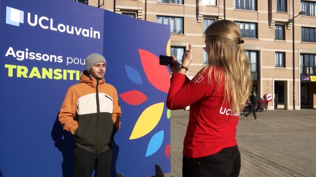 La parole aux étudiants de l'UCLouvain avant la COP26 via un vidéomaton