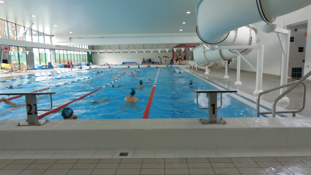 Le bw un d sert au niveau des piscines for Construction piscine waterloo