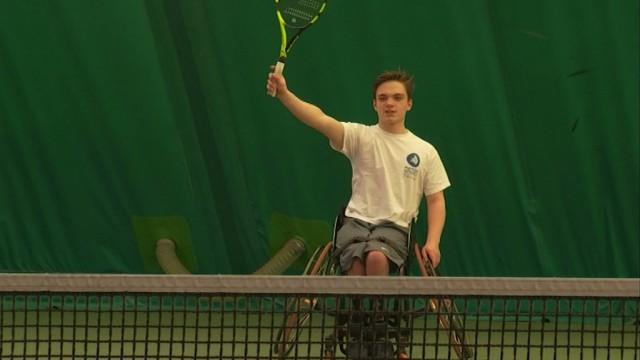L'unité scout de Bossut-Gottechain veut soutenir ce jeune joueur de tennis en chaise