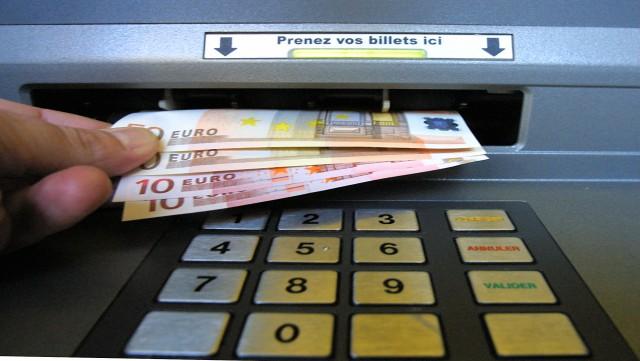 Brabant wallon: des voleurs sévissent aux distributeurs de banque