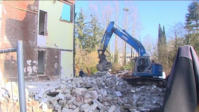 2 maisons démolies à Court-Saint-Etienne