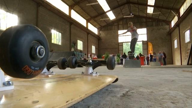 Un skate park provisoire sur le site des Bétons Lemaire à Ottignies