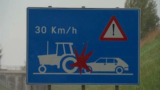 Faut-il interdire les tracteurs sur la N25 ?