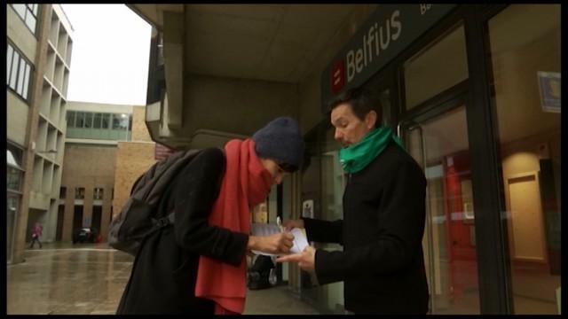 Une action à Louvain-la-Neuve pour dire non à la privatisation de Belfius