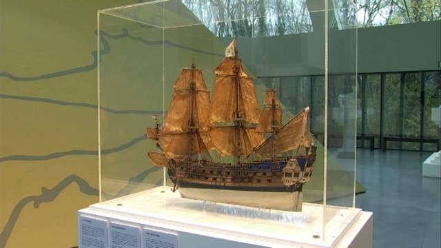 """La véritable maquette de """"La Licorne"""" au musée Hergé"""