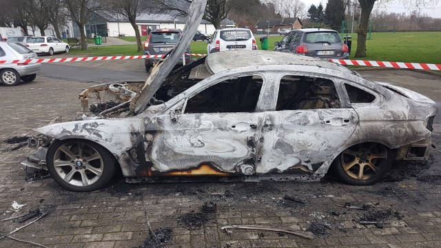 testNouvelle voiture incendiée à Genappe : c'est la deuxième fois !