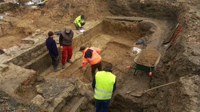 testDes fouilles archéologiques pour la toute première fois au domaine d'Hélécine !
