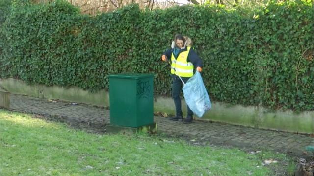 Une ambassadrice de la propreté chasse les déchets à Ottignies