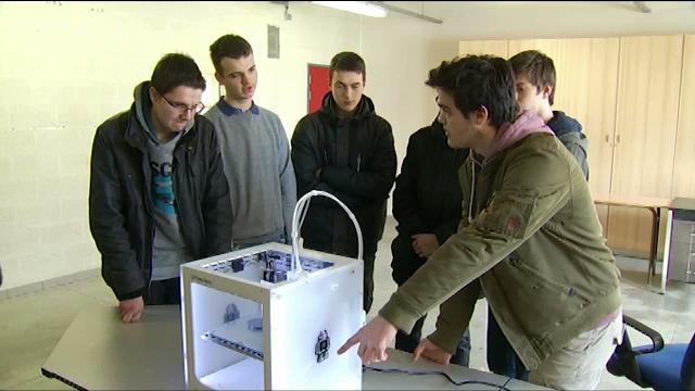 Un satellite et des idées au Collège technique Saint-Jean à Wavre