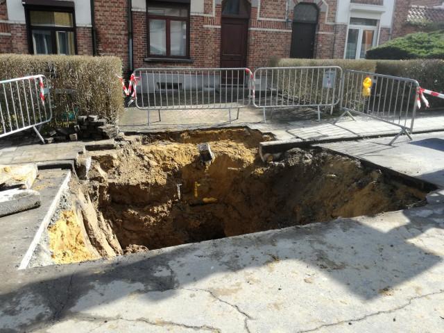 Une voirie s'effondre à Nivelles, la circulation déviée