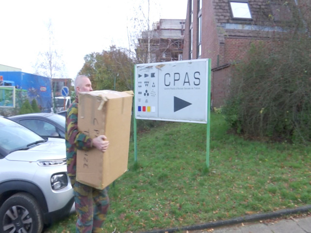 testla Défense offre du matériel excédentaire à onze CPAS