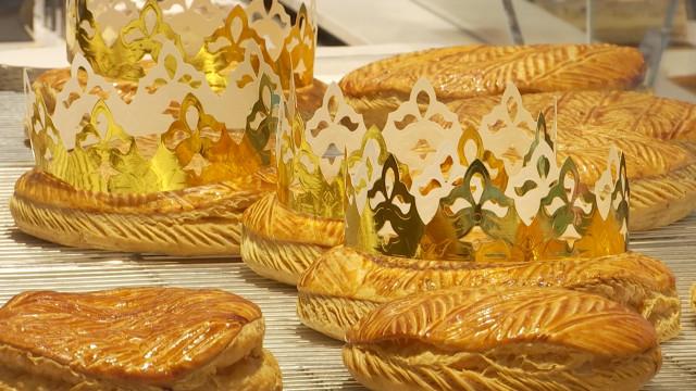 testUne galette des rois préparée par un Meilleur Ouvrier de France