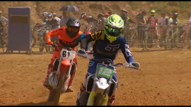 testLe motocross en démonstration à Mont-Saint-Guibert