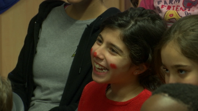 Fedasil Rixensart : Les clowns sans frontière donnent le sourire aux enfants