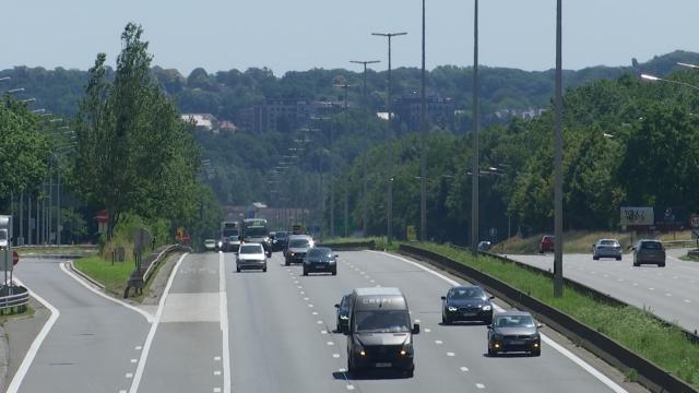 Proposition du cdH de réduire la vitesse de l'E411 à 90 km/h sur le tronçon wavrien