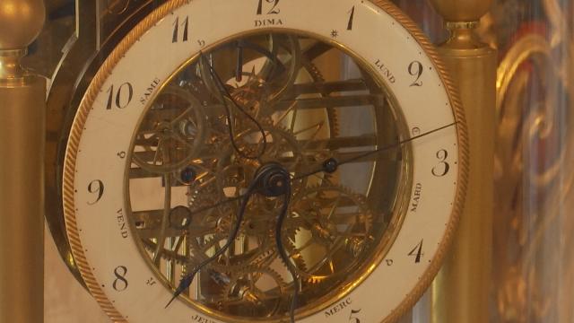 testLes horloges astronomiques retentissent au musée de l'Horlogerie