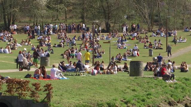 testUn retour du beau temps synonyme d'affluence au lac de Louvain-la-Neuve