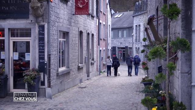 testBienvenue chez vous : Durbuy, à la découverte de la plus petite ville du monde