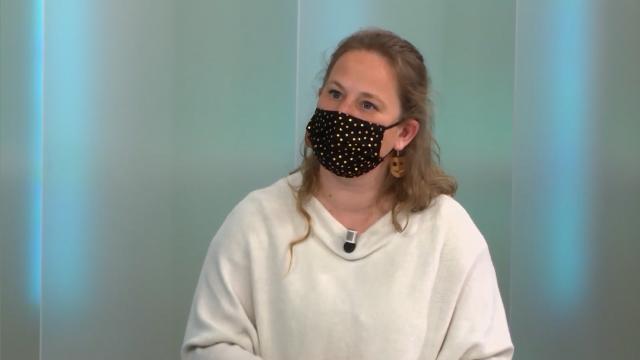 L'Invitée: Cindy Detrogh: Bas les Masques
