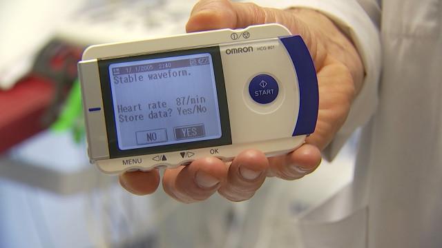 2 victimes d'arrêt cardiaque sur 30 y survivent, effectuez donc un test !