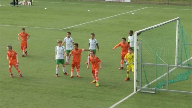 Football : des jeunes du Sporting de Charleroi au Stéphanois
