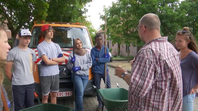 Eté solidaire : 8 jeunes engagés à Lasne pour des tâches d'intérêt général
