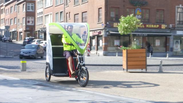 Un pousse-pousse électrique en guise de taxi nivellois !