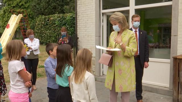 La Reine Mathilde apporte son soutien aux jeunes en difficulté