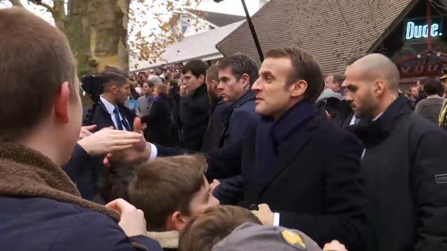 Bain de foule pour Emmanuel Macron à Louvain-la-Neuve !