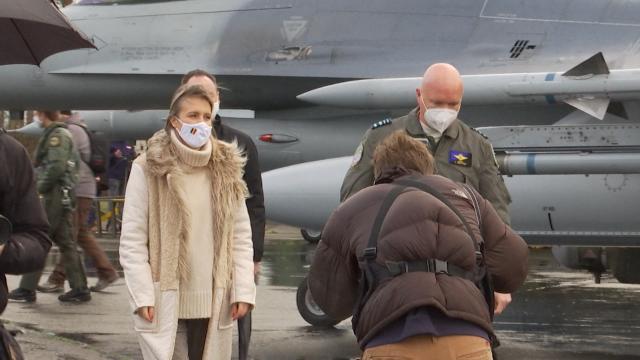 testBeauvechain : visite de la ministre de la Défense à la base