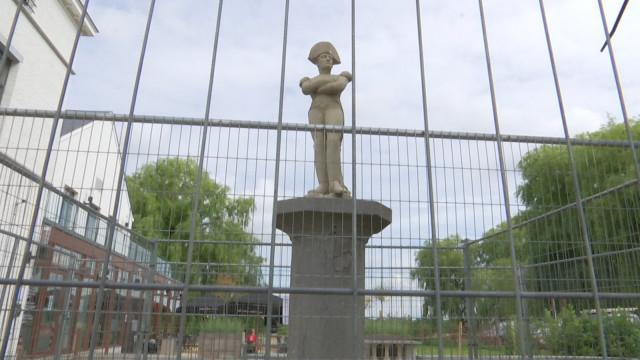 testButte du Lion : La statue de Napoléon protégée et surveillée