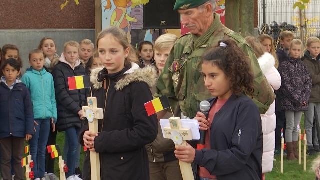 Cérémonie commémorative à l'école communale de Ramillies