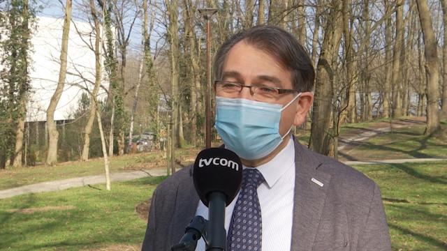 """testJean-Christophe Renauld : """"Le virus se propage plus vite que le rythme des vaccinations"""""""