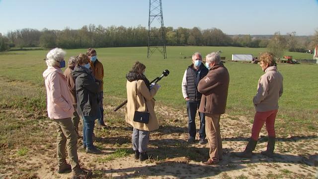"""Court-Saint-Étienne: des habitants disent NON au projet  """"Jaurdinia"""""""
