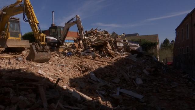 testDébut des démolitions dans l'îlot Mintens à Genappe