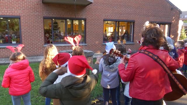 testDes élèves de Rebecq chantent pour les pensionnaires du home d'Arenberg