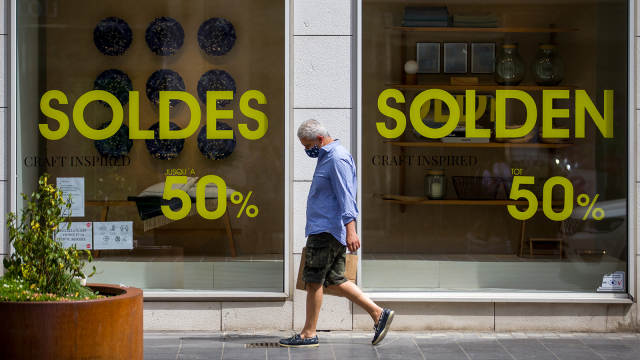 Des soldes inédites : importants rabais et faible affluence