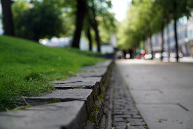 Effondrement de trottoir à Waterloo : le trafic toujours interrompu ce mardi