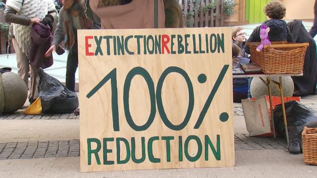 Extinction Rebellion offre 100% de réduction face à l'Esplanade