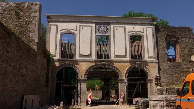 Les arcades de l'Abbaye de Villers sont achevées : des portiques pour les protéger