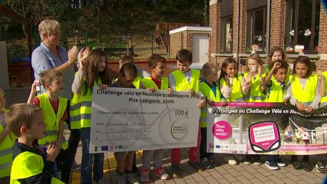 L'école de Piétrebais, championne à bicyclette...