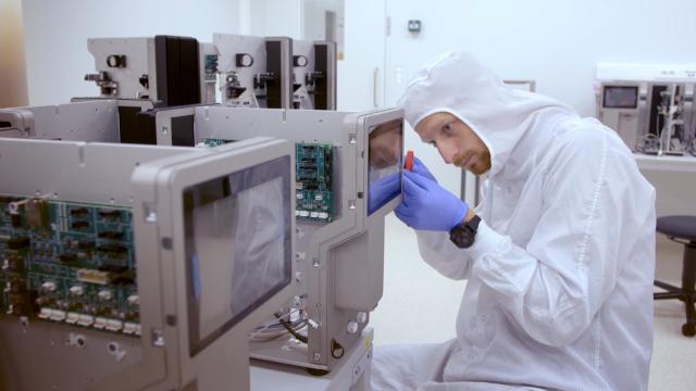 L'entreprise nivelloise d'optique LamdaX livre la Station spatiale internationale