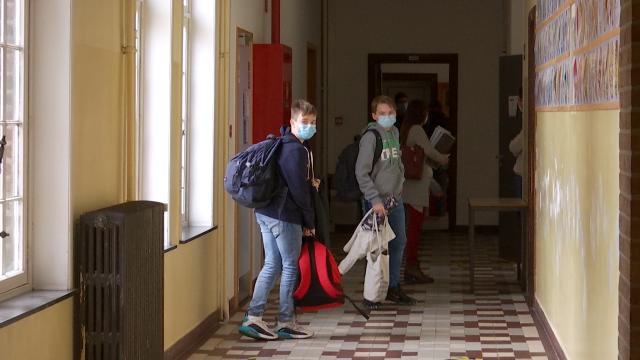 L'incertitude au collège de Basse-Wavre face aux nouvelles directives