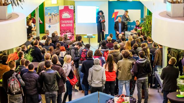 testL'IPES Tubize et l'IPET Nivelles remportent un concours pour entrepreneurs en herbe