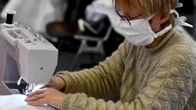 testLa distribution des masques aux Stéphanois le 16 mai