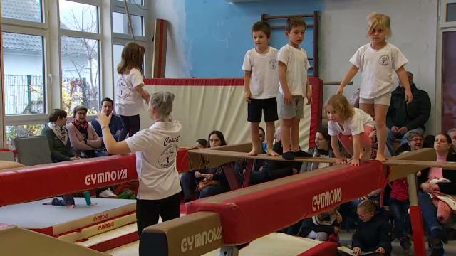 test4 heures de gymnastique non-stop pour Viva For Life
