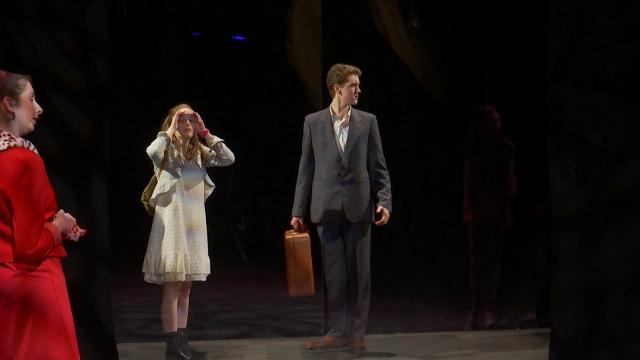 testLa nouvelle pièce du Jeune Théâtre d'Appoint, une version contemporaine de Cendrillon