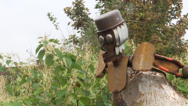 Le plongeur, une sculpture entièrement réalisée à base de matériaux récupérés