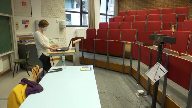 Les cours en distanciel ou comment enseigner devant un auditoire vide