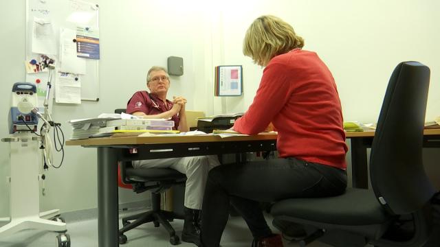 Clinique Saint-Pierre Ottignies: Coronavirus, évitez les urgences autant que possible.